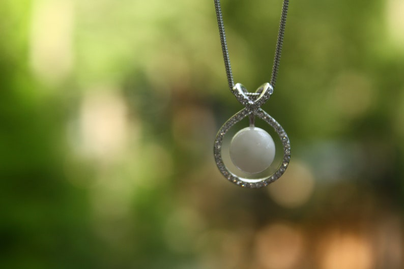 Sterling Silver Pendant Keepsake Circle Charm Necklace.Memorial Jewelry Gift for mothers with your choice of inclusions.