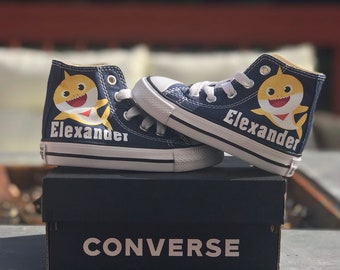 05d6f11a548f99 Personalized Kids Converse
