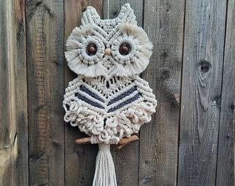 "Macramé Owl ""Gertrud"" in small & large - wall hanger - autumn decoration"