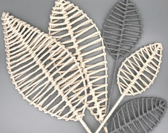 Macrame leaves in different sizes and colors