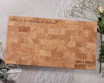 Hochzeitsgeschenk / Holzbrett / Stirnholz mit individueller Gravur