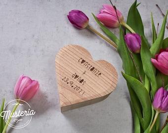 Holzbox / Herzkiste / Ringschachtel mit individueller Gravur