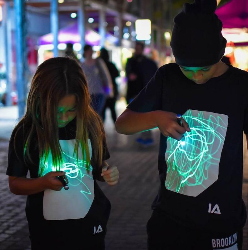 Illuminated Apparel Childrens Interactive Green Glow T-shirt image 0