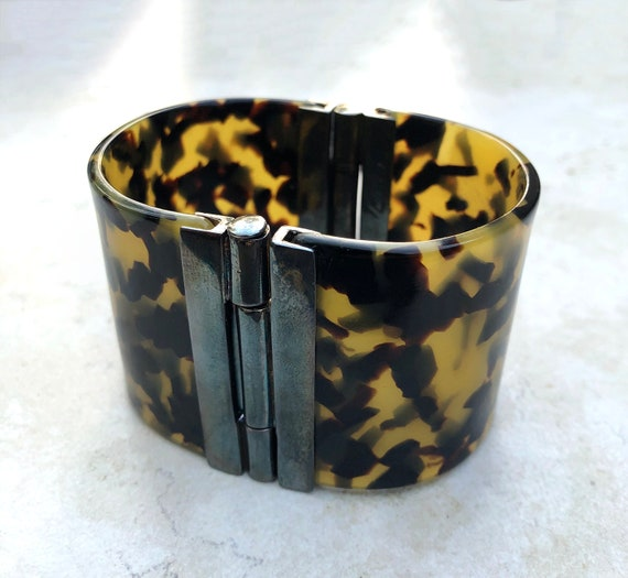1980's Signed Ralph Lauren Hinged Lucite Bangle B… - image 4