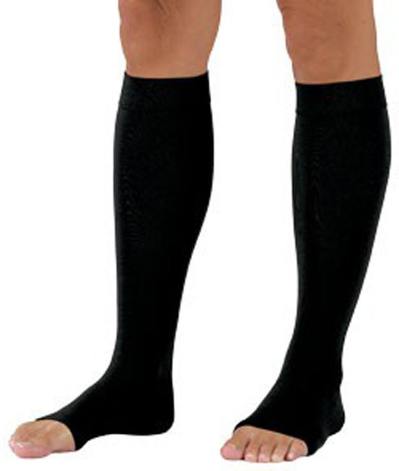 41834a9fb8c Tektrum Pair of Knee High Firm Graduated Compression Socks