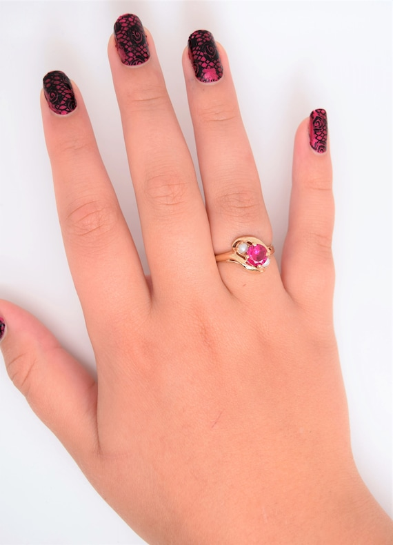 Vintage synthetic ruby ring pearl accent 10k gold… - image 8