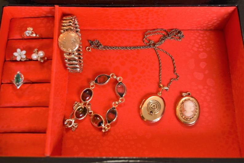 Vintage Jewelry box Mallard Duck Scene Men/'s Wooden Box Black Enamel Box Red Satin Jewelry Storage Box Japan Gift