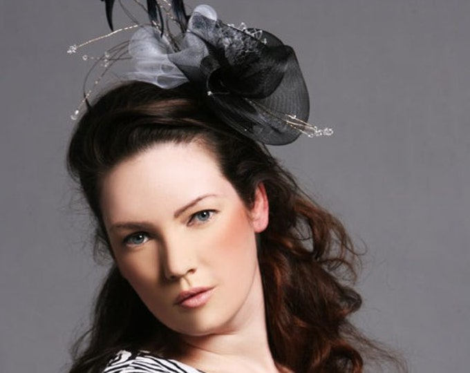 White and Black Fascinator Hat Crinoline Coctail Headpiece Feathered Millinery Christmas Headwear Bany Christening Party
