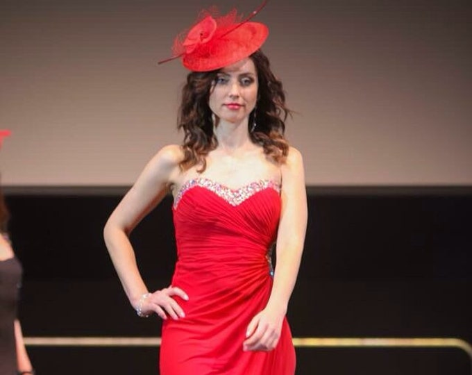 Stunning Red Sinamay Saucer Hat Cocktail Headpiece Fascinator millinery for Royal Ascot, Derby Kentucky, Wedding Percher