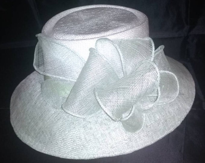 Stylish hat white straw mint sinamay headpiece formal millinery headgear fascinator hat