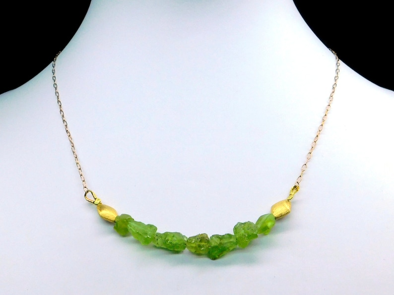 Chain Peridot-Kascade raw stones Unique gilded necklace Noble colour natural