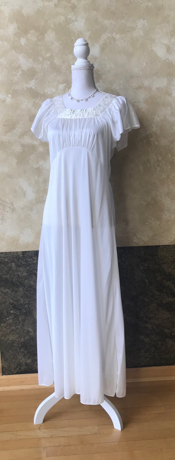 1970s Nightgown