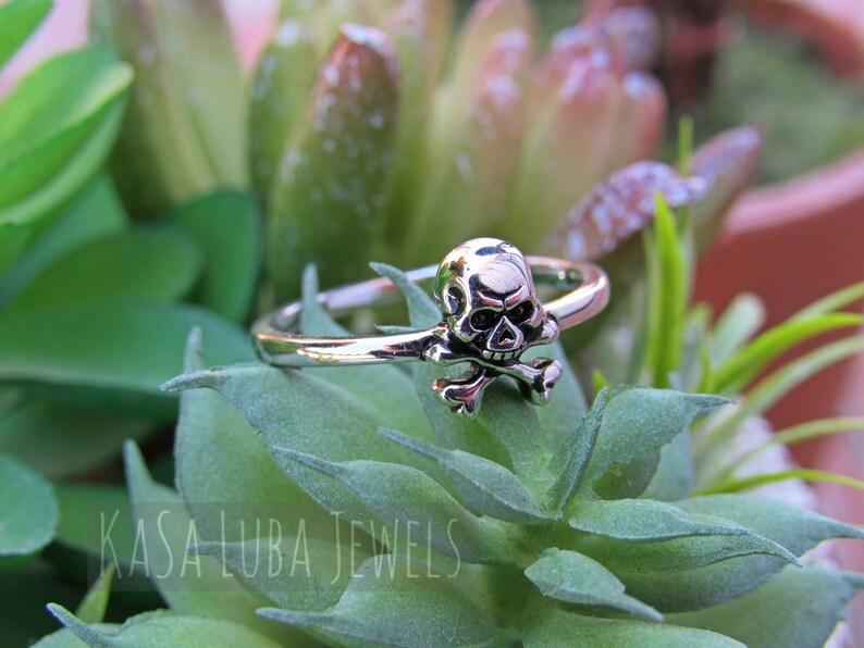 jollyroger ring silver ring Skull Sterling silver ring Silver Crossbone ring