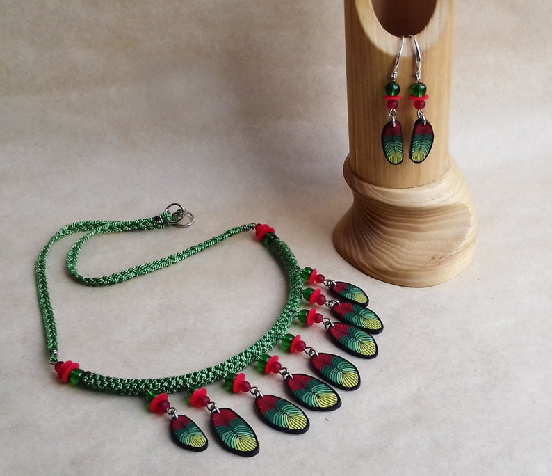 Feather necklace Unusual necklace Nature bib necklace Multicolor necklace African necklace Woodland necklace Tribal necklace Gypsy jewelry