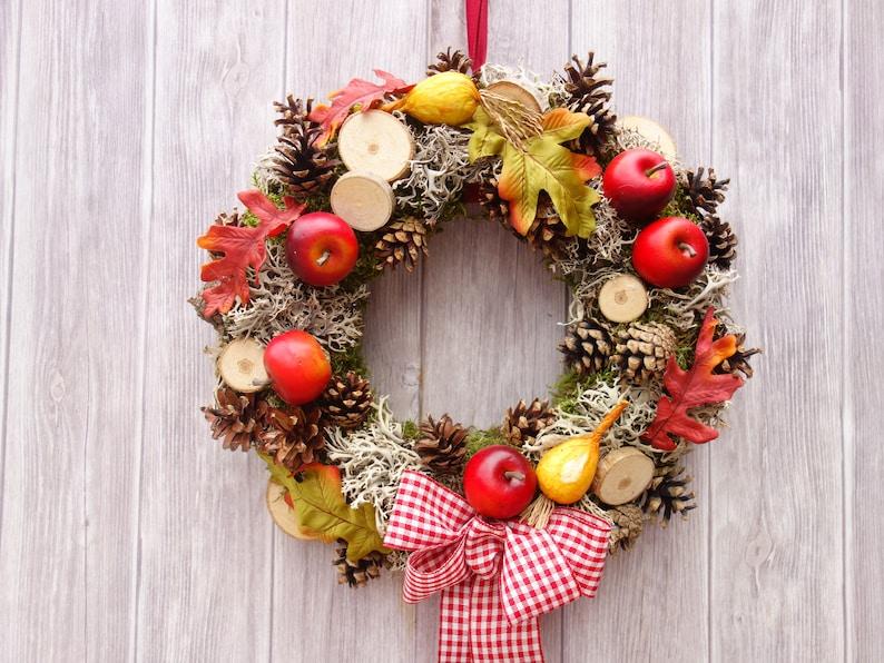 Weihnachts-Dekokranz mit Fichtenzapfen Wandkranz Türkranz Tischdeko