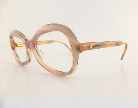 Pink Diva 1970's vintage sunglasses