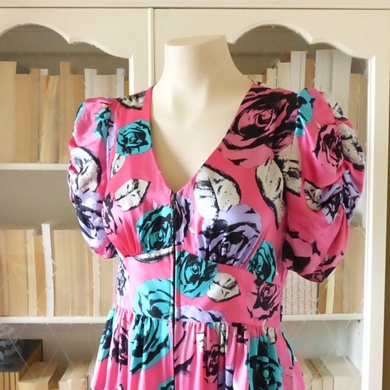BETSEY JOHNSON 100% Silk, Floral Dress, Puffy Slee