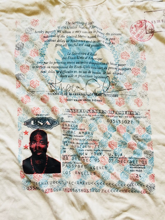 Vintage Tupac Passport Hip-Hop Rap T-Shirt Big Bag