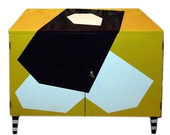 commode yellow-black-white