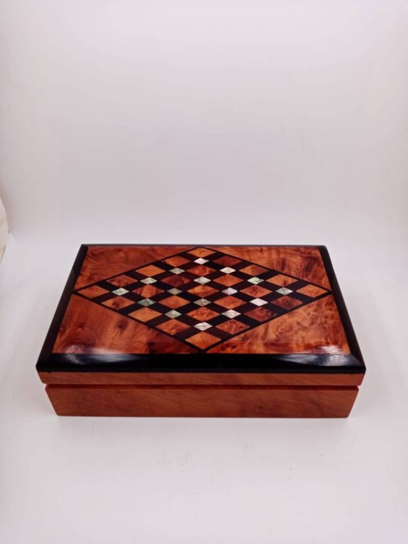 Large Jewelry Organizer Box Hand-Carved Wooden Jewelry Inlaid Box Made of Thuya Burl Wood Decorative Storage Box Gift For Her