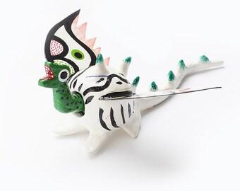 Mexican dragon • White