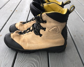 new products 25a44 9e72a Vintage Nike Air ACG Gortex hightop hiking boots--Made in Italy--size Men s  10.5