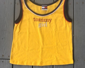 d215cb56a35039 Vintage 1990 s Tommy Girl Tommy Hilfiger spell out logo tank top-yellow-size  Large