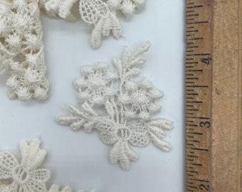 Venice lace applique 24 pieces Flower bouquet with bow, bridal lace, Venetian lace