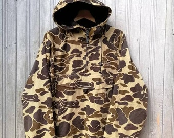 02e0111b47 Vintage Vans Hoodie Jacket Half Zipper Up Camo Medium Size Made in Usa