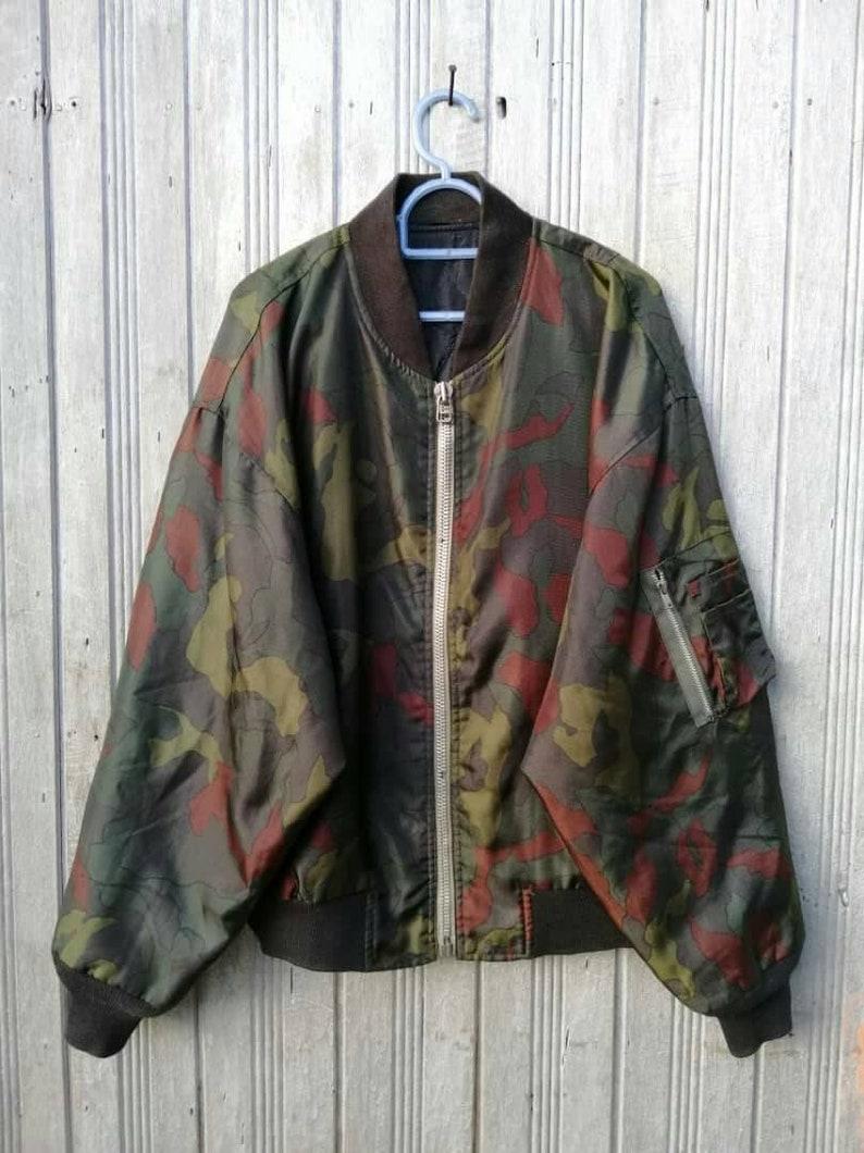 541bfc270eb89 FREE SHIPPING !!! Vintage Camo Bomber/Flight Jacket/military jacket