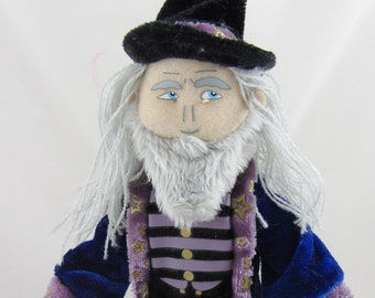 Wizard Warlock Finger Puppet- New with Tags