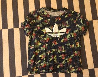 Adidas T Shirt beach shirt Vintage 90s flowers  - men Sz XL