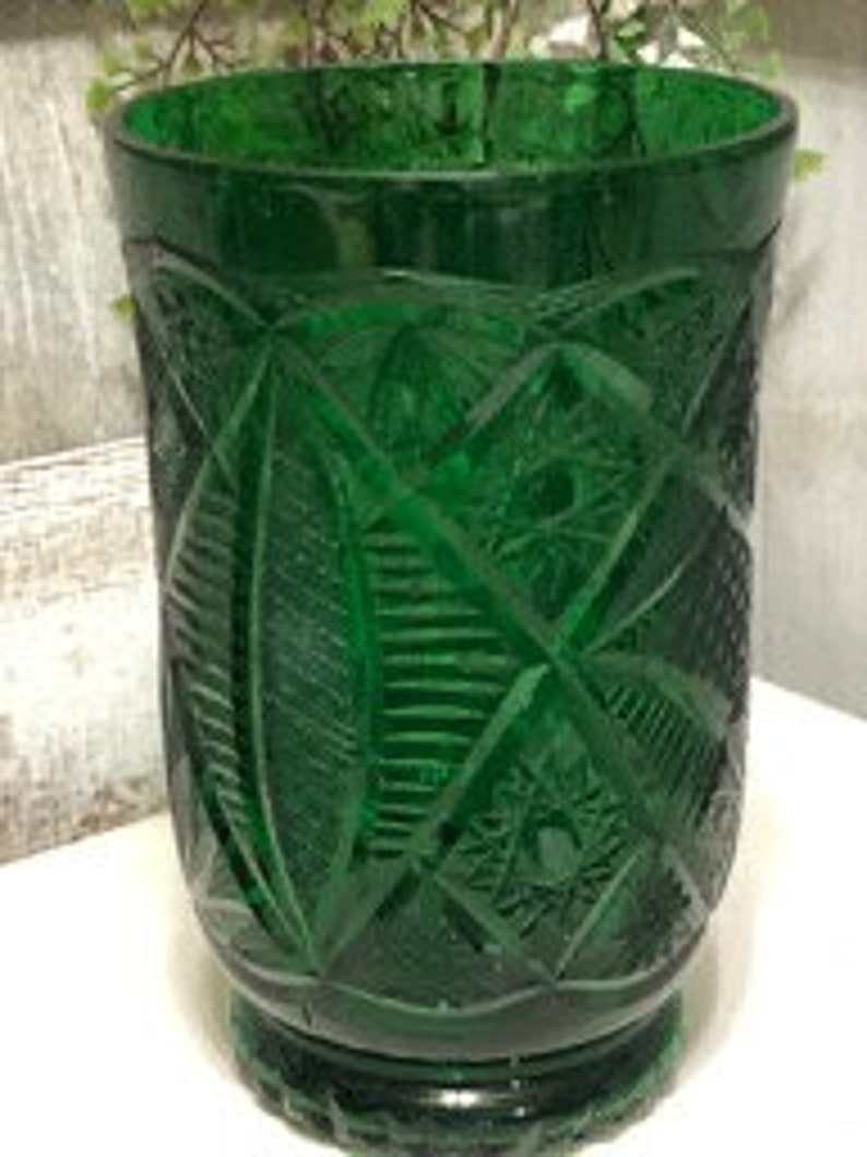 McKee Kemble Fentec Pattern Green Colored Glass Vase Excellent