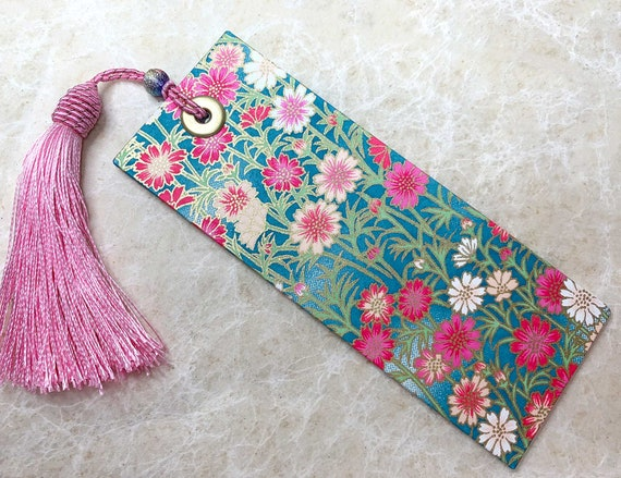 Beautiful Japanese Bookmark, Chiyogami Paper, Pink and Blue Summer Flower Design, Card Bookmark, decorative pink tassel, Book Lovers Gift