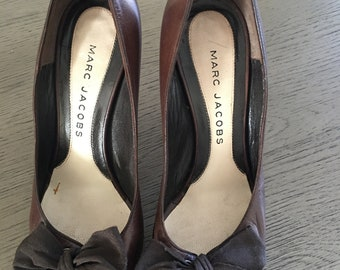 d75e65aaf Marc jacobs brown top bow vintage open toe heels