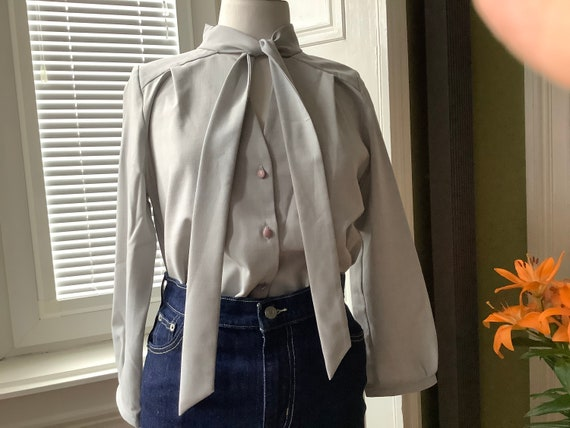 Berlin Designer Handmade pussy bow blouse
