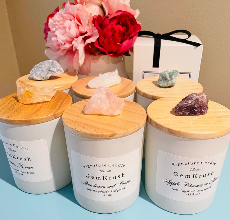Natural Soy Candles With Raw Gemstone.