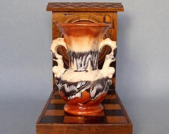 Blanc Céramique Tulip Shape manipulés Bud Vase 16 cm de haut très bon état