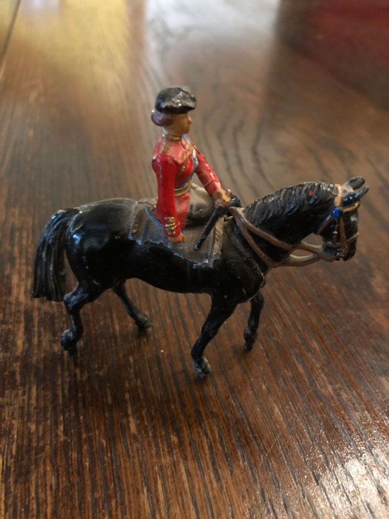 Queen on Horseback and Queen/'s Guard 3 pieces Metal British Collectables Post Box