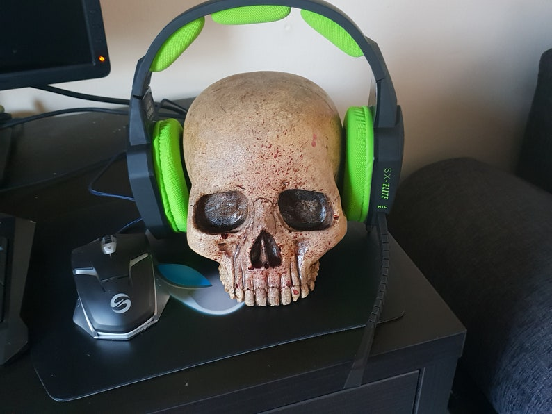 Skull Gaming Headphone Mount