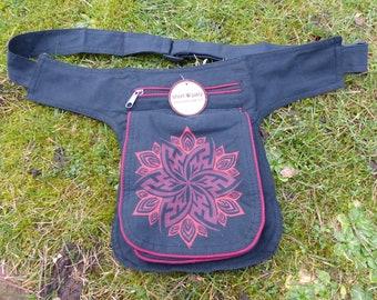 Hawanja belt bag black with red patterned M or L