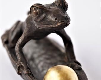 FROSCH AHOI! Bronze sculpture