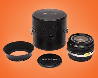 Olympus OM-System Auto-W 28mm F3.5 Wide Angle Lens + Shade + Case