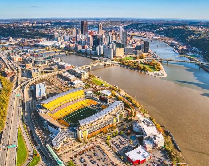 Pittsburgh Skyline and Heinz Field