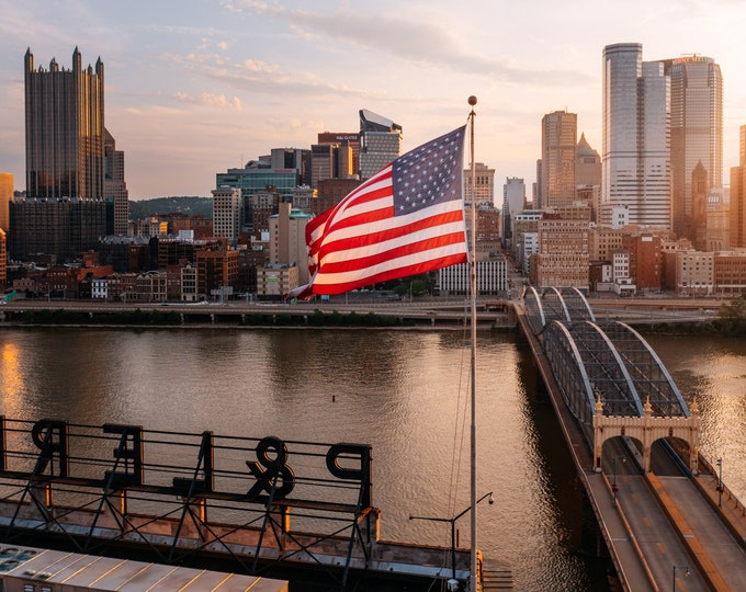 Pittsburgh Skyline Photo - The U.S. Flag on the P&LE RR Building - Pittsburgh Metal Prints - Pittsburgh Wall Art