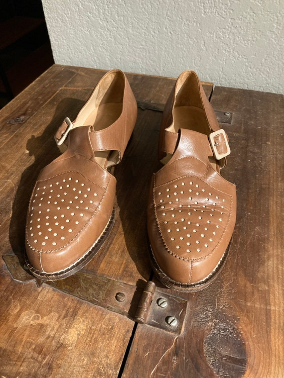 Vintage Barney's of New York t-strap, low heeled M