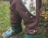 Cuddly Winter Sweat Jogger Pump Pants Brown/Green Gisbert from the Rain Barrel Mitwachshose