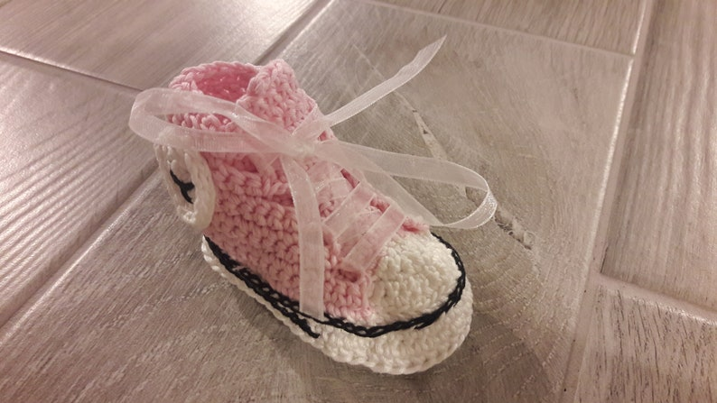 a032fe9f201273 Converse All Star Favor box keychain Baby Shoe