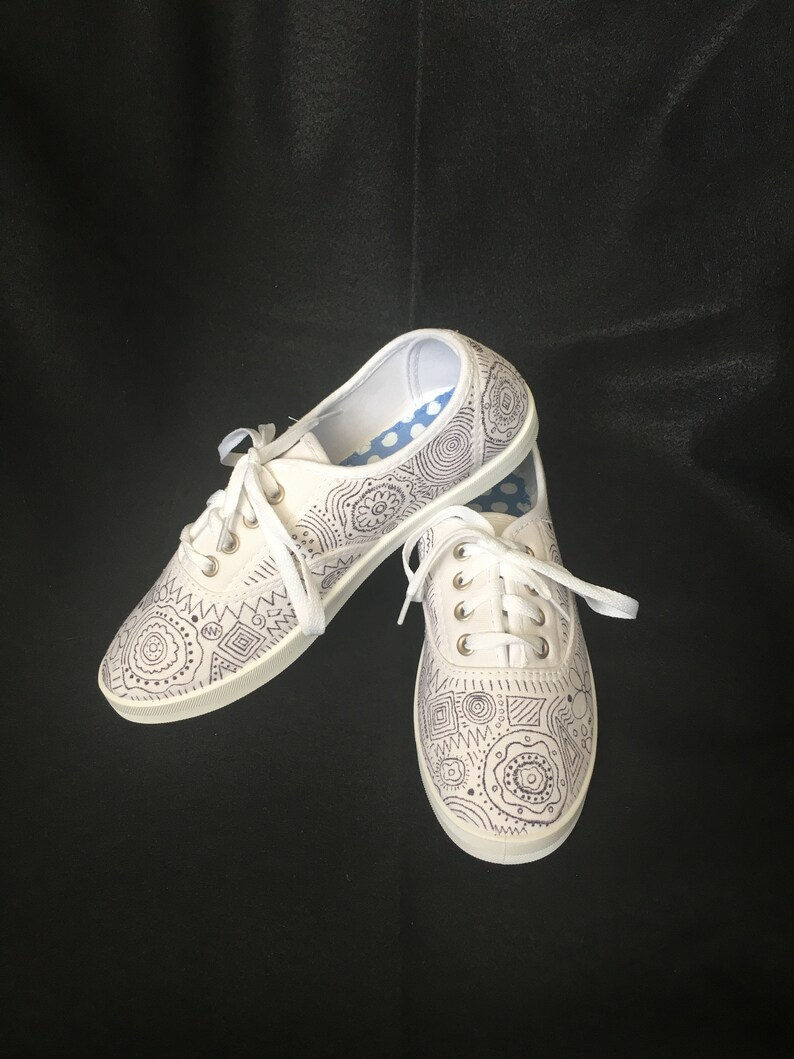 Black and White Doodle Shoes,, Black Pattern,, Paisley  Design,,Customization Available,, Circles