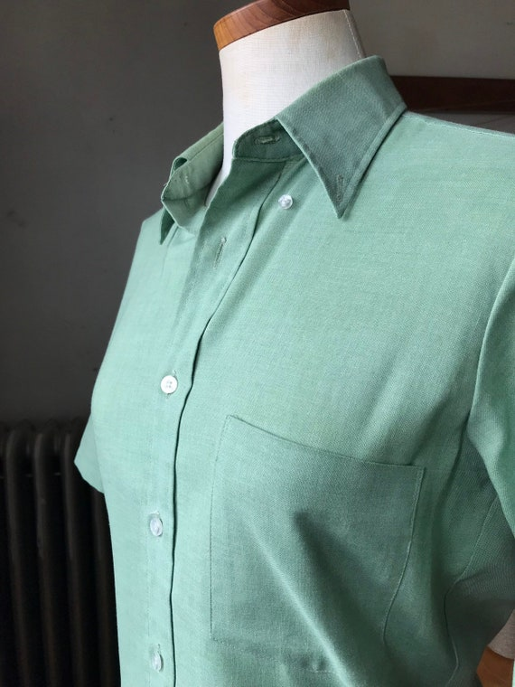 Arrow Cum Laude Sage Green Button Up | 1960's vintage short sleeve collared shirt | 60's summer